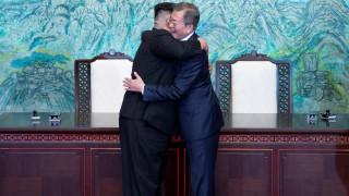 Ικανοποίηση της παγκόσμιας κοινότητας για τη συνάντηση Κιμ - Μουν Τζε-ιν