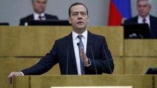 Την ποινικοποίηση των αμερικανικών κυρώσεων υποστηρίζει ο Μεντβέντεφ