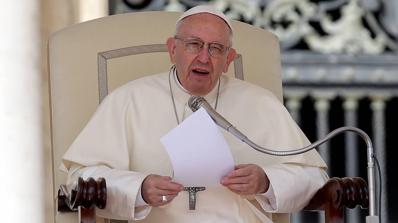 Βαθιά συγκινημένος από τον θάνατο του μικρού Άλφι ο Πάπας Φραγκίσκος