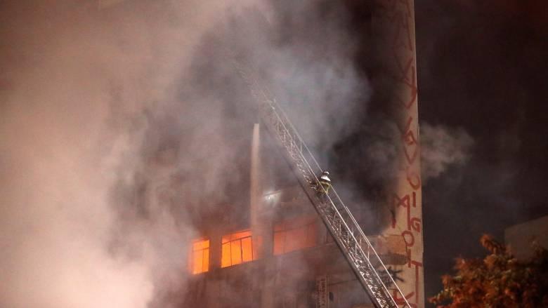 Βραζιλία: Κατέρρευσε φλεγόμενο κτίριο στο Σάο Πάολο