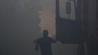 Ξάνθη: Εικόνες από την μεγάλη πυρκαγιά στο εργοστάσιο μπαταριών