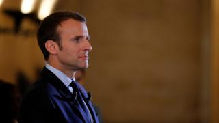 Ο Μακρόν καταδικάζει τα άγρια επεισόδια στους δρόμους του Παρισιού