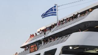 Μεγάλη ταλαιπωρία για εκατοντάδες επιβάτες οχηματαγωγού πλοίου λόγω βλάβης