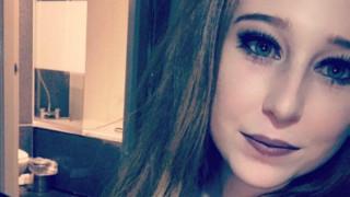 19χρονη ντύθηκε κλόουν και μαχαίρωσε επανειλημμένως τον σύντροφό της