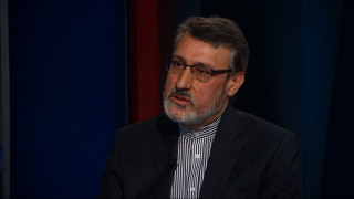 Ο πρέσβης του Ιράν στη Βρετανία εξηγεί τι σημαίνει η αποχώρηση των ΗΠΑ από τη συμφωνία