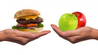 Οι διατροφικές συνήθειες που δυσκολεύουν μια γυναίκα να μείνει έγκυος