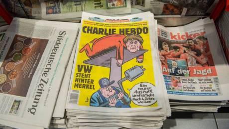 Το Charlie Hebdo επέστρεψε στο Twitter