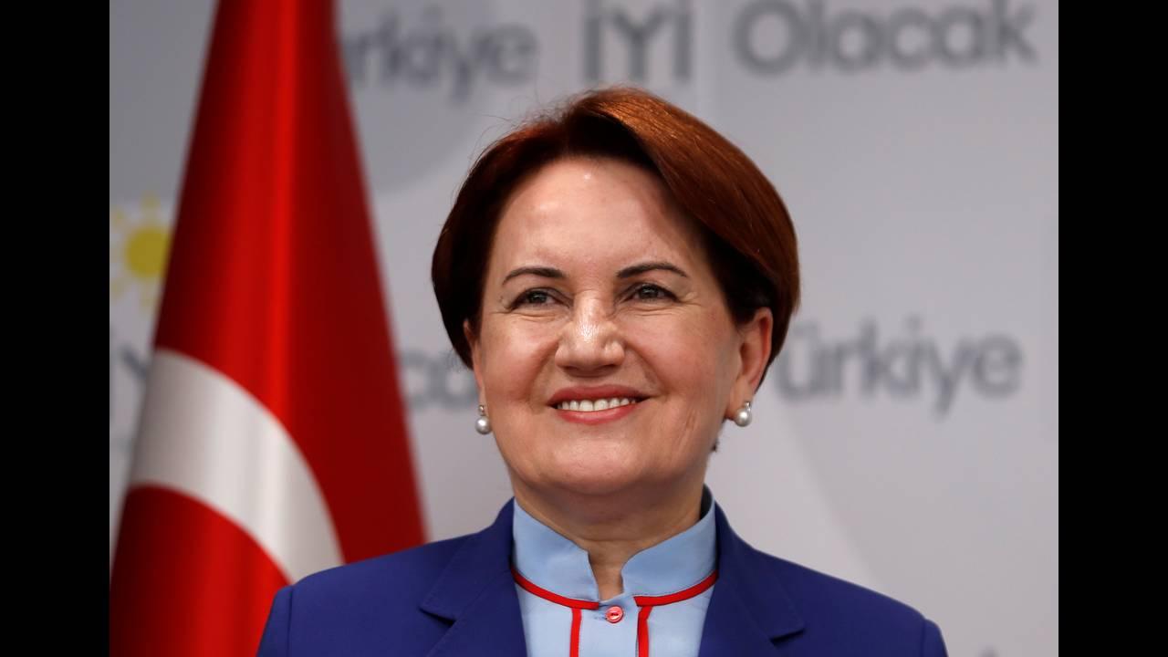https://cdn.cnngreece.gr/media/news/2018/05/05/128681/photos/snapshot/2018-04-24T114119Z_2105464870_RC189DACA1C0_RTRMADP_3_TURKEY-POLITICS.jpg