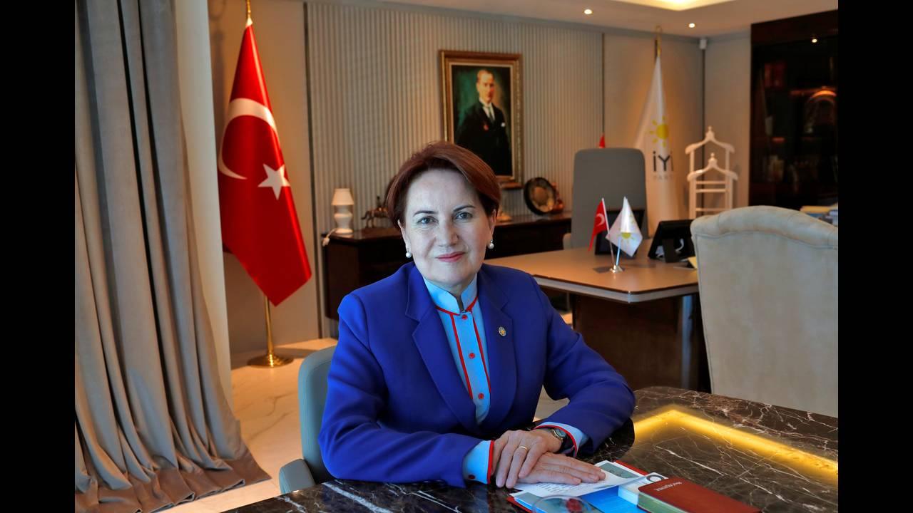 https://cdn.cnngreece.gr/media/news/2018/05/05/128681/photos/snapshot/2018-04-24T114145Z_792865411_RC168F330900_RTRMADP_3_TURKEY-POLITICS.jpg