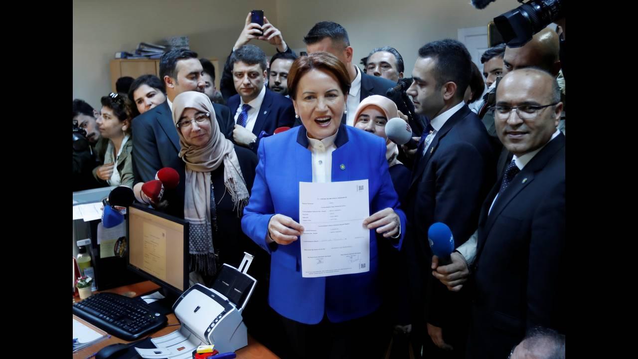 https://cdn.cnngreece.gr/media/news/2018/05/05/128681/photos/snapshot/2018-05-04T095430Z_431986018_RC1346C72600_RTRMADP_3_TURKEY-ELECTION.jpg