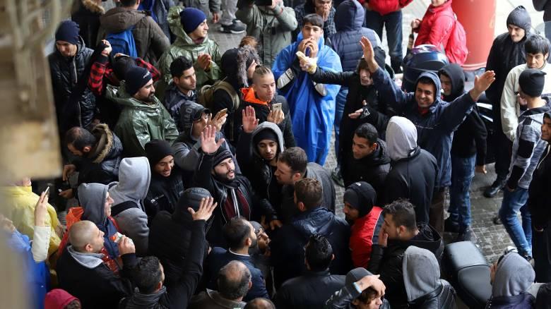 Πάνω από 8.000 πρόσφυγες και μετανάστες στα ελληνικά νησιά τον Απρίλιο