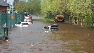 «Βούλιαξε» η Άγκυρα: Τραυματίες και υλικές ζημιές από ισχυρές βροχοπτώσεις