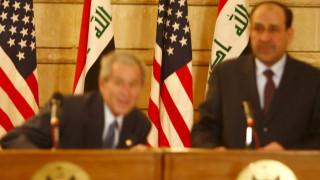 Ιράκ: Ο άνθρωπος που πέταξε τα... παπούτσια του στον Μπους υποψήφιος των εκλογών