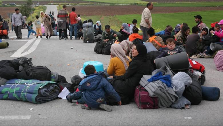 Θεσσαλονίκη: Πρόσφυγες απέκλεισαν την Εγνατία Οδό