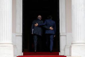 O Έλληνας πρωθυπουργός Αλέξης Τσίπρας καλωσορίζει τον Άνχελ Γκουρία επικεφαλής του ΟΟΣΑ στο Μέγαρο Μαξίμου. Αθήνα 30 Απριλίου 2018.