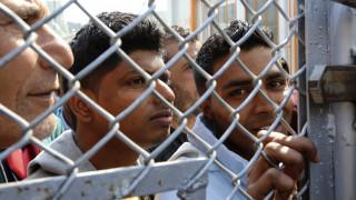 Εκατοντάδες πρόσφυγες και μετανάστες κατέφθασαν σήμερα στη Μυτιλήνη