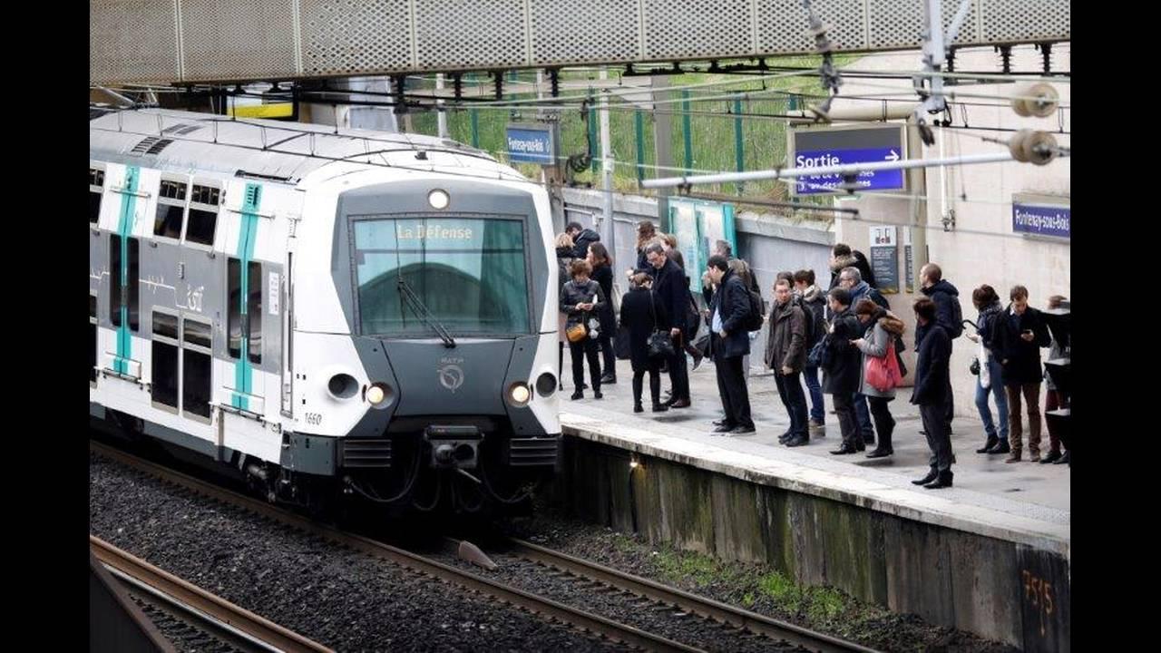 https://cdn.cnngreece.gr/media/news/2018/05/06/128870/photos/snapshot/2018-04-03T080800Z_2032897744_RC14F1EEE9B0_RTRMADP_3_FRANCE-REFORM-SNCF-STRIKE.jpg