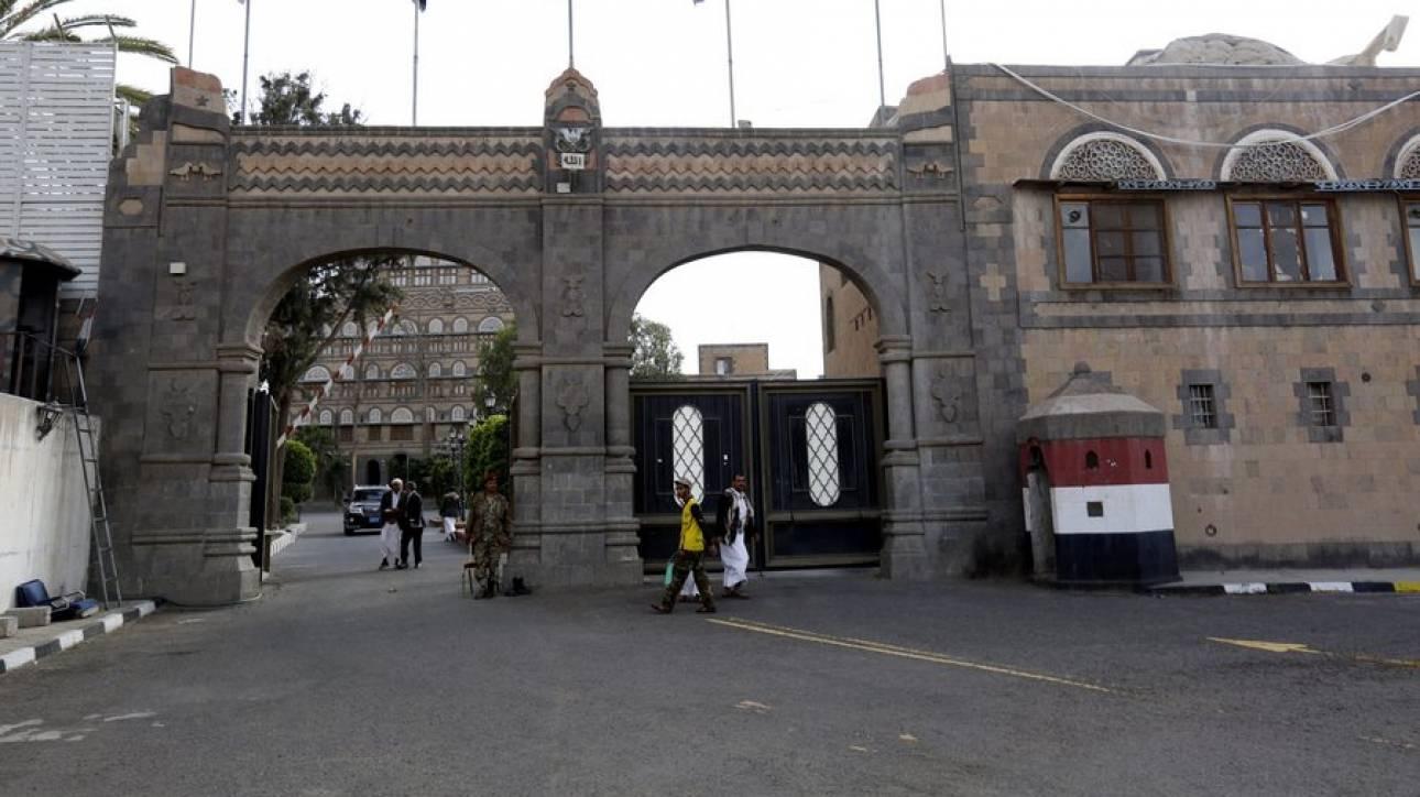 Υεμένη: Στόχος αεροπορικής επιδρομής το κτίριο της προεδρίας στη Σανάα