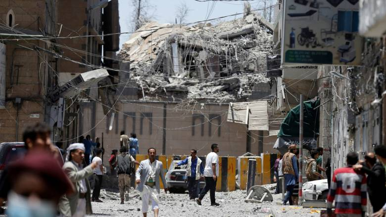 Νεκροί και τραυματίες από τις αεροπορικές επιδρομές στο προεδρικό μέγαρο της Σαναά