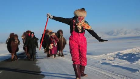 Ουλάν Μπατόρ – Λονδίνο με καμήλες: 12.000 χιλιόμετρα νομαδικής περιπέτειας