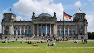 Στη Γερμανία το βάρος των αποφάσεων για το ελληνικό χρέος