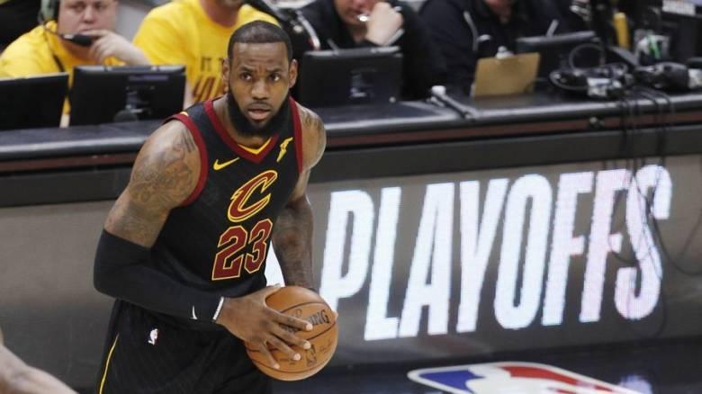 NBA: Πήρε… σκούπα ο ΛεΜπρόν Τζέιμς