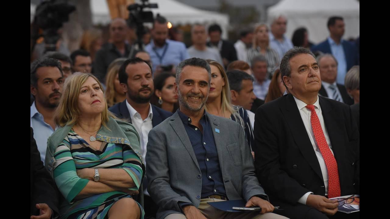 https://cdn.cnngreece.gr/media/news/2018/05/08/129091/photos/snapshot/EMYS7.JPG