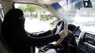 Ξεκινούν την οδήγηση οι γυναίκες στη Σαουδική Αραβία