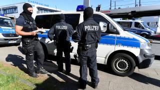 Σύλληψη ανδρών που σχετίζονται με την ακροδεξιά για παράνομη διακίνηση ανθρώπων στη Γερμανία