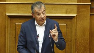 Σφοδρή επίθεση Θεοδωράκη στους βουλευτές της ΔΗΣΥ που καταψηφίζουν την αναδοχή από ομόφυλα ζευγάρια