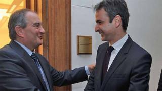 Συνάντηση Μητσοτάκη - Καραμανλή για εθνικά και πολιτικές εξελίξεις