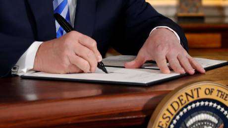 Διπλωματικός «σεισμός» από την απόφαση Τραμπ: Η συμφωνία, οι εμπλεκόμενοι, οι συνέπειες