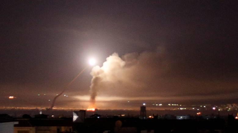 Νύχτα «φωτιάς» στη Μέση Ανατολή: Αεροπορικό «μπρα-ντε-φέρ» Ιράν - Ισραήλ