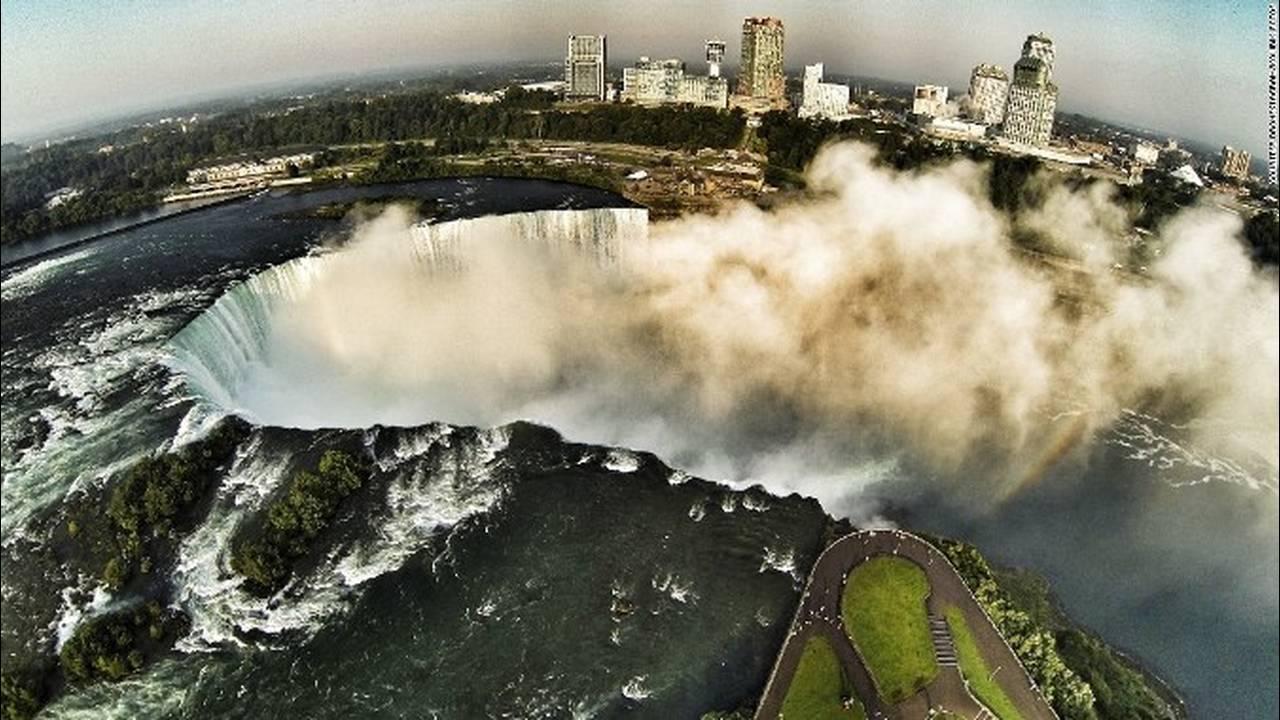 https://cdn.cnngreece.gr/media/news/2018/05/10/129440/photos/snapshot/151013114326-dronestagram-niagra-falls-super-169.jpg