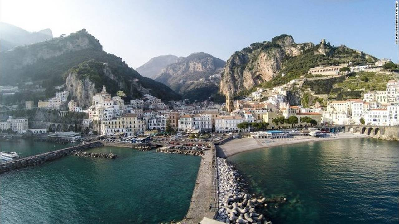 https://cdn.cnngreece.gr/media/news/2018/05/10/129440/photos/snapshot/151013135914-dronestagram-amalfi-super-169.jpg