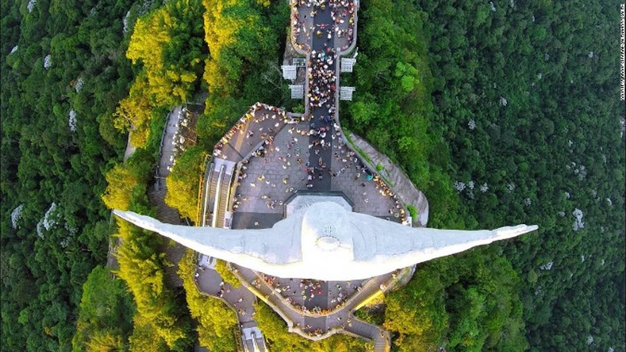https://cdn.cnngreece.gr/media/news/2018/05/10/129440/photos/snapshot/151013141121-dronestagram-christ-the-redeemer-super-169.jpg