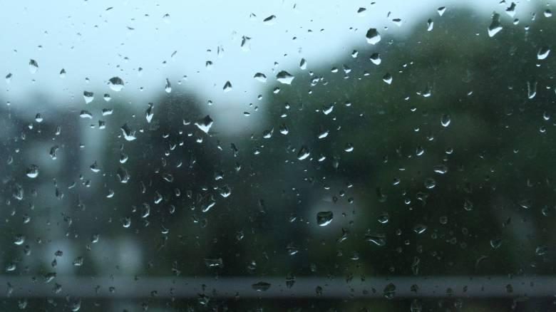 Καιρός: Ισχυρές βροχές και πιθανές χαλαζοπτώσεις την Παρασκευή