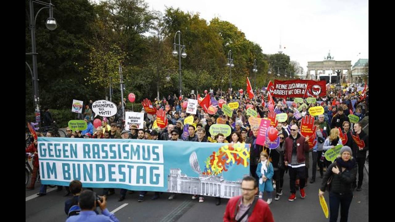 https://cdn.cnngreece.gr/media/news/2018/05/10/129446/photos/snapshot/berlin-4.jpg