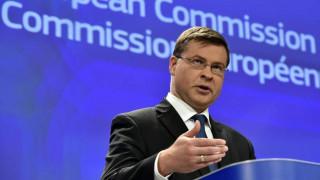 Ντομπρόβσκις: Ευαίσθητη άσκηση η επιστροφή στις αγορές