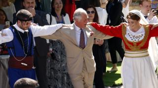 Το αίτημα της ασφάλειας του Καρόλου για τα κρητικά μαχαίρια των χορευτών