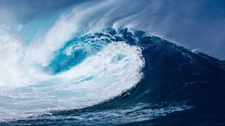Νέα Ζηλανδία: Κύμα για... Γκίνες «καταπίνει» πλοίο