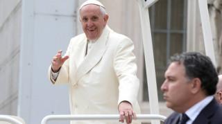 Αστρονομικό ποσό για τη Lamborghini του Πάπα Φραγκίσκου σε δημοπρασία