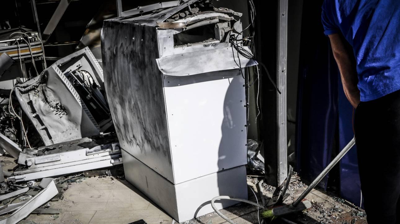 Ανατίναξαν μηχανήματα ΑΤΜ σε Υμηττό και Παλλήνη