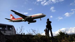 Τρόμος στον αέρα: Έσπασε το τζάμι κόκπιτ ενός Airbus εν πτήσει