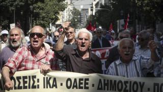 Στους δρόμους οι συνταξιούχοι σε Αθήνα και Θεσσαλονίκη