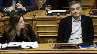 Πυρά 58 βουλευτών του ΣΥΡΙΖΑ κατά Τσακαλώτου-Αχτσιόγλου για τις καθυστερήσεις στις συντάξεις χηρείας