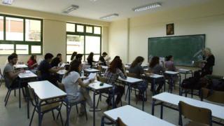 Παρότι δωρεάν, η... εκπαίδευση κοστίζει πολύ στις ελληνικές οικογένειες