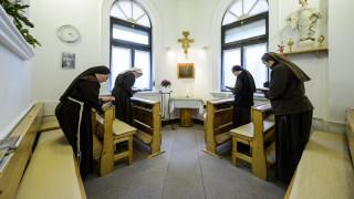 Συμβουλές από το Βατικανό στις καλόγριες για τη «σωστή» χρήση των socia media