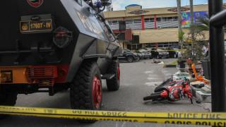 Ινδονησία: Άνδρες οπλισμένοι με σπαθιά Σαμουράι εισέβαλαν σε αστυνομικό τμήμα
