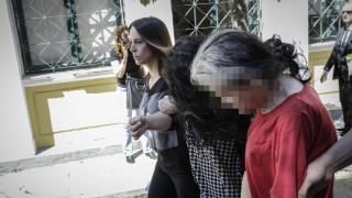 Στον ανακριτή η 19χρονη και η μητέρα της για τη δολοφονία βρέφους στην Πετρούπολη